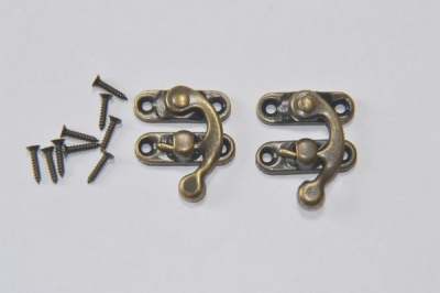 Medium Bronze Box Clasps (2)