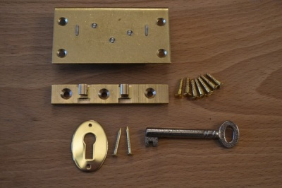 2½'' Solid Brass English Box Lock Set
