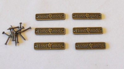 ''Hand Made'' small alloy plaques - Pack of 6
