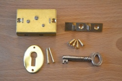 1½'' Brass Box Lock Set